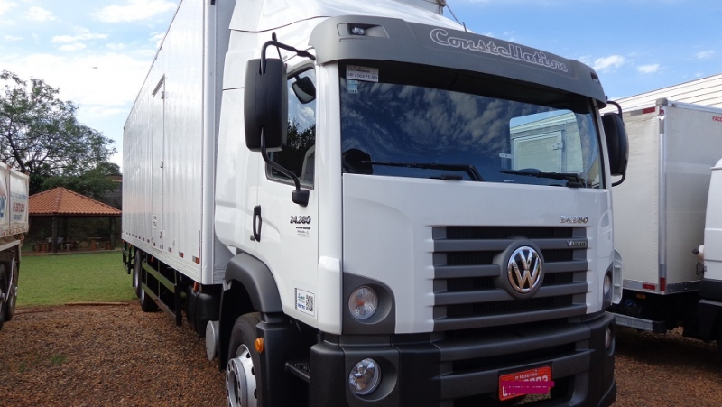 VOLKSWAGEN 24.280 CONSTELLATION V-TRONIC  6X2 3E